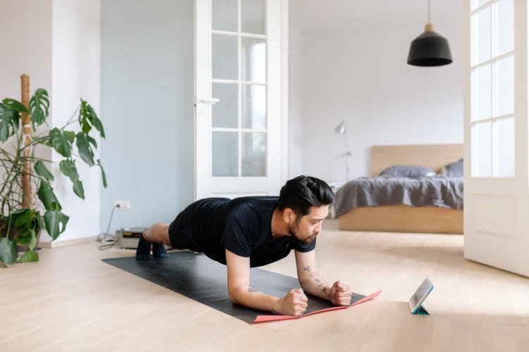 Aplikacje fitness - ćwiczenia w domu